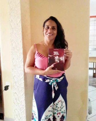 Photo of Poetisa da Academia recebe Comenda na abertura do Raízes do Brejo em Belém