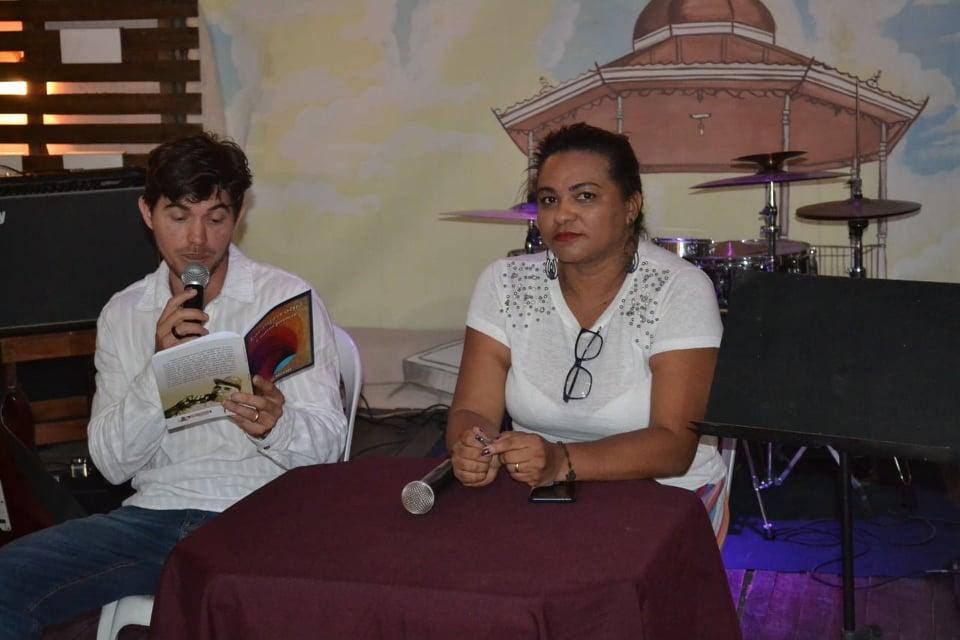 """Photo of Músico de Itabaiana se inspira no livro """"Laranja romã"""" e compõe toada sobre cordel"""