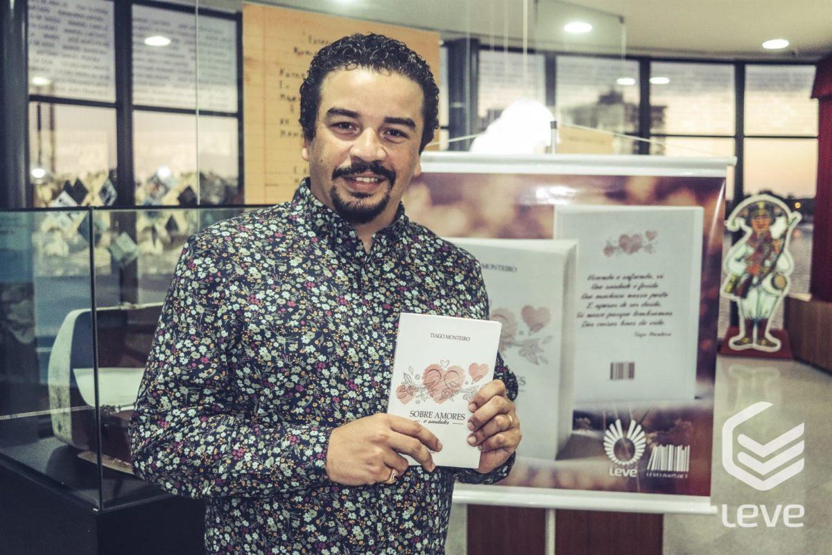 Photo of Tiago Monteiro lança 'Sobre amores e saudades', seu primeiro livro de poesia