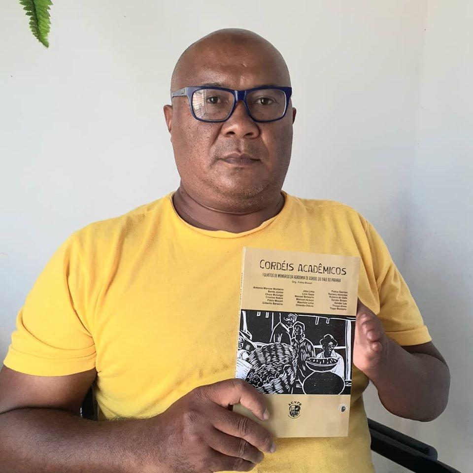 "Photo of No aniversário de Itatuba, poeta Pádua Gorrión lança ""Cordéis acadêmicos"""