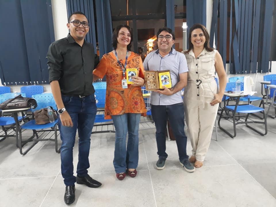 Photo of Poeta defende dissertação sobre cidadania e empoderamento juvenil