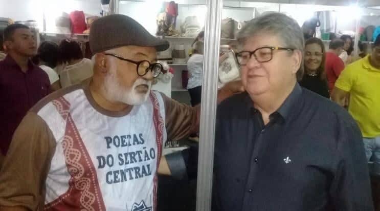 Photo of Stand da Academia de Cordel faz sucesso no Salão do Artesanato Paraibano